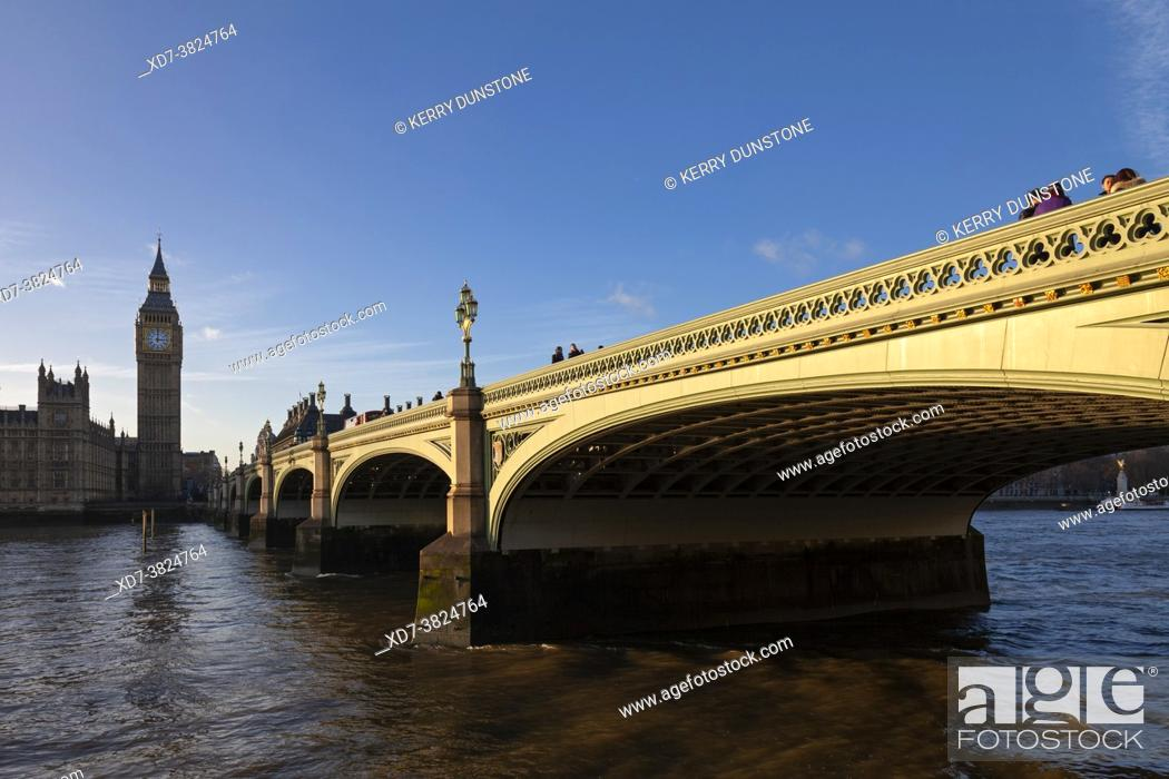 Stock Photo: UK, England, London, Westminster Bridge and Houses of Parliament (Palace of Westminster).