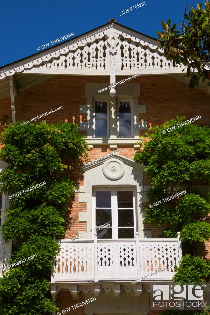 Stock Photo: House, facade with trees, Jardin des Plantes, Nantes, Loire Atlantique, France.