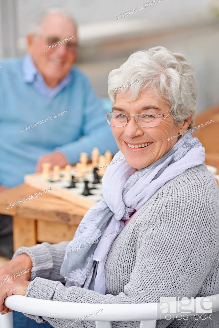 Stock Photo: An elderly couple playing chess togetherhttp://195.154.178.81/DATA/shoots/ic-783134.jpg.