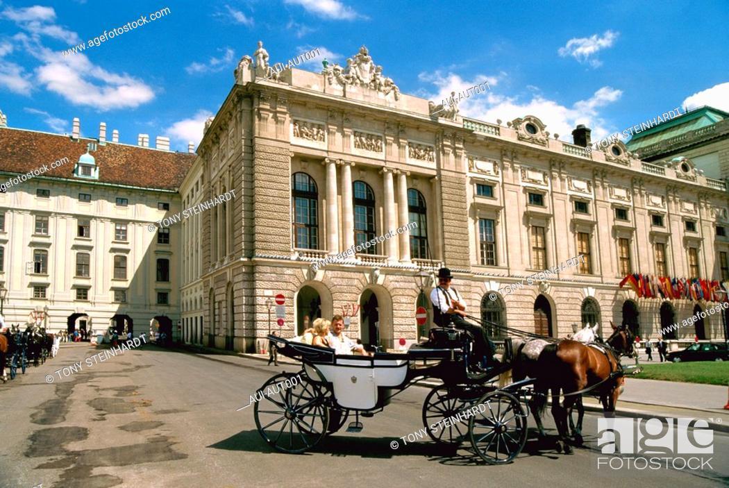 Stock Photo: Austria - Vienna - Carriage - Hofburg.