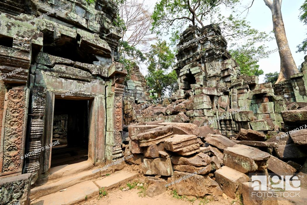 Stock Photo: Ta Prohm ruin, a temple at Angkor. Siem Reap. Cambodia.