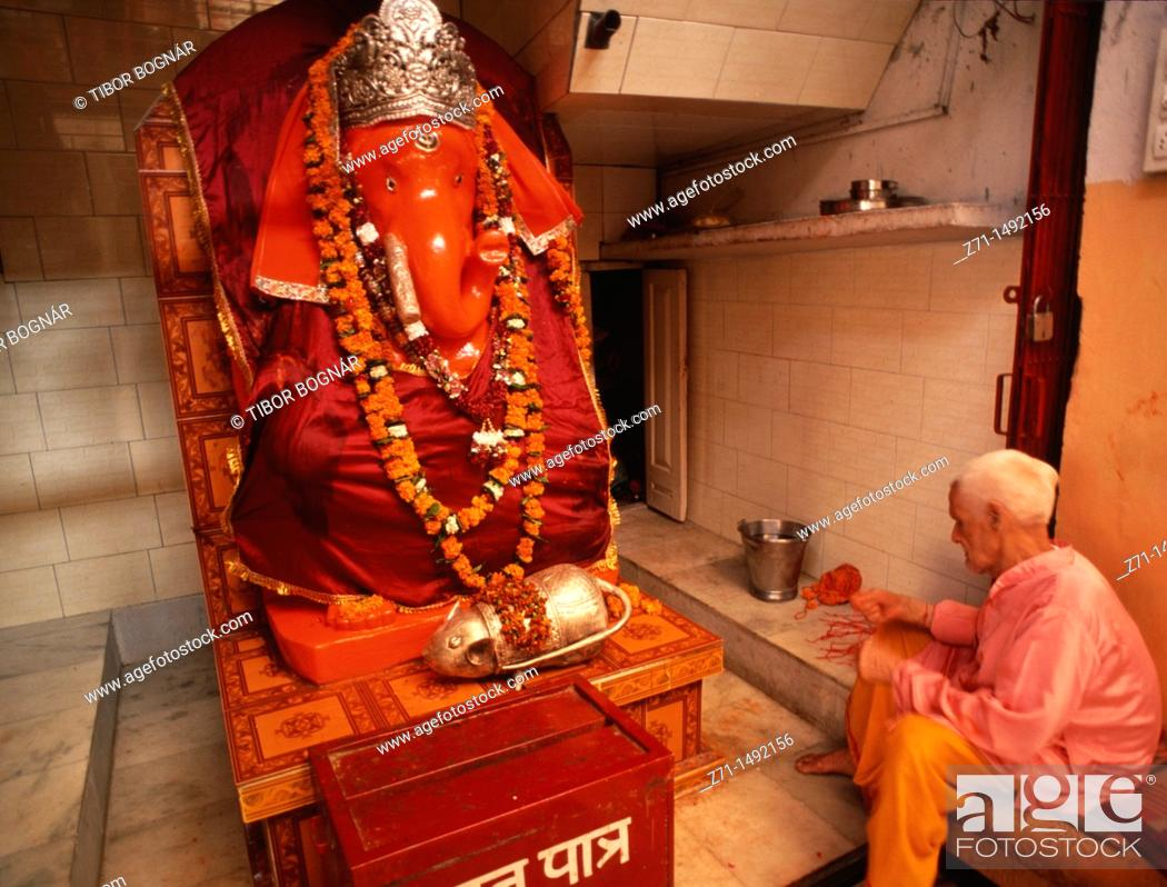 Stock Photo: India, Punjab, Amritsar, Mata hindu temple, Ganesh statue,.