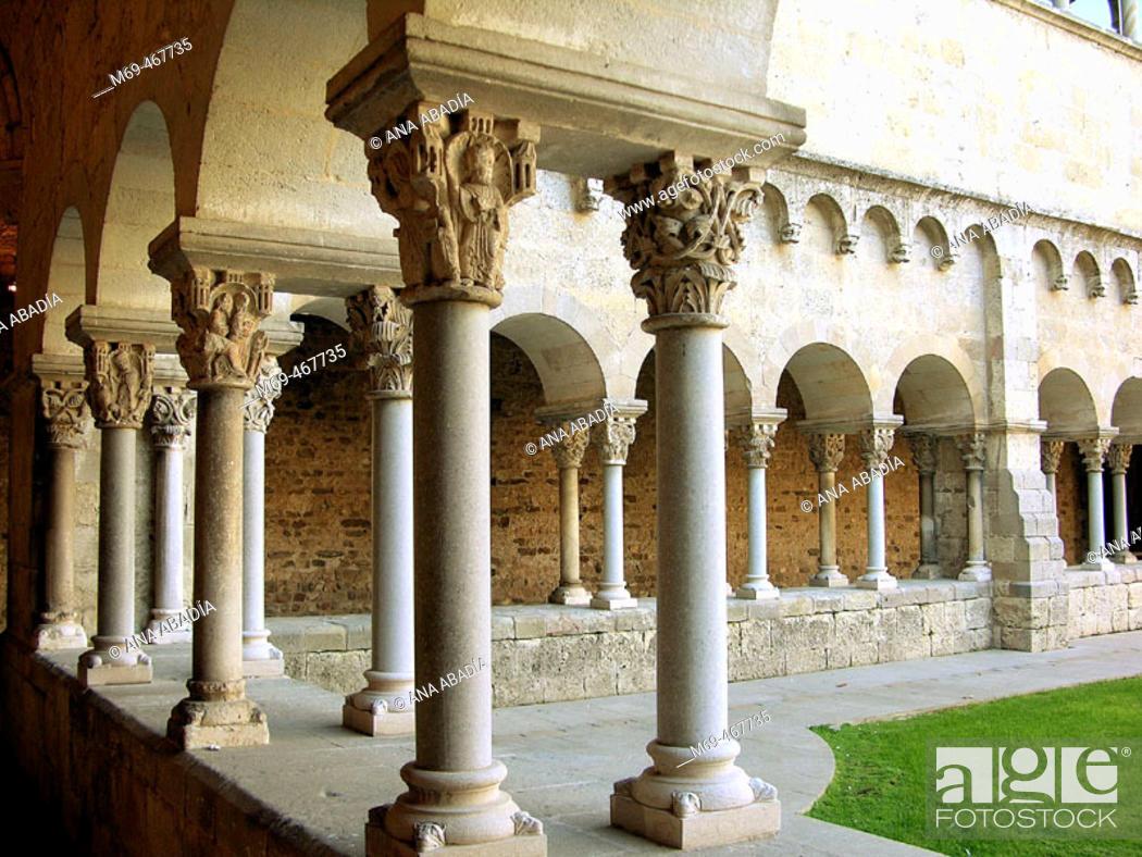 Stock Photo: Cloister, monastery of Sant Cugat del Valles. Barcelona province, Catalonia, Spain.