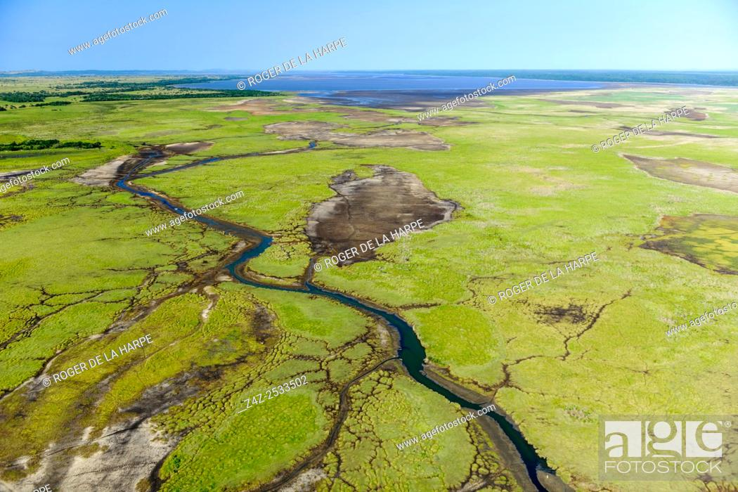 Imagen: Aerial view of the northern reaches of Lake St Lucia showingi wetlands. Simangaliso Wetland Park (Greater St Lucia Wetland Park). KwaZulu Natal.