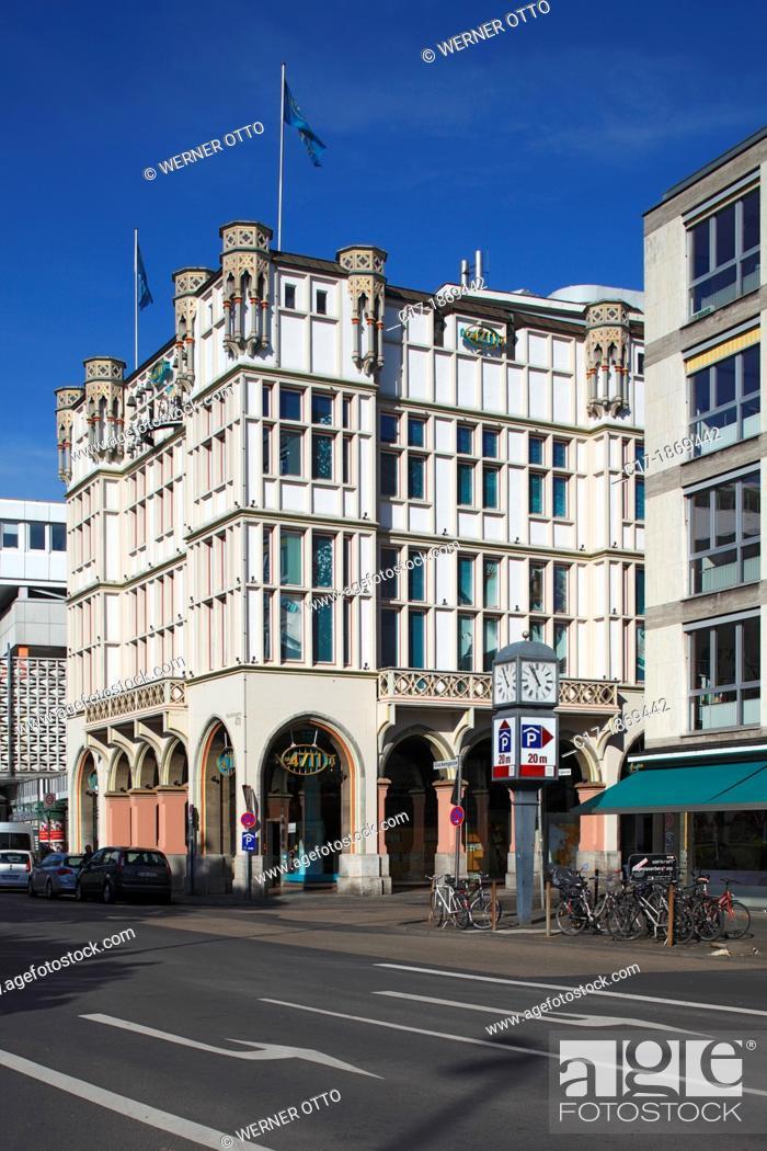 Stock Photo: Germany, Cologne, Rhine, Rhineland, North Rhine-Westphalia, NRW, old city, head office of the Muelhens company in the Glockengasse 4, 4711.