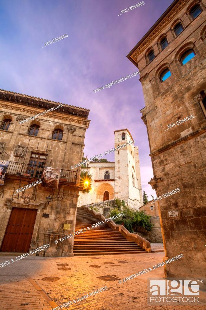 Imagen: St. James way; Church of San Pedro de la Rua at Estella, Navarra, Spain.