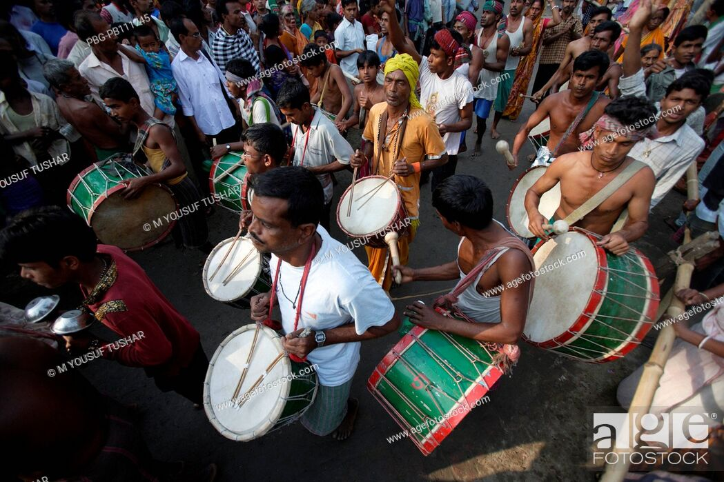 Stock Photo: People from Hindu Matuya community dancing The Matuya are found in Bangladesh and West Bengal Their principal temple is at Orakandi in Gopalganj.