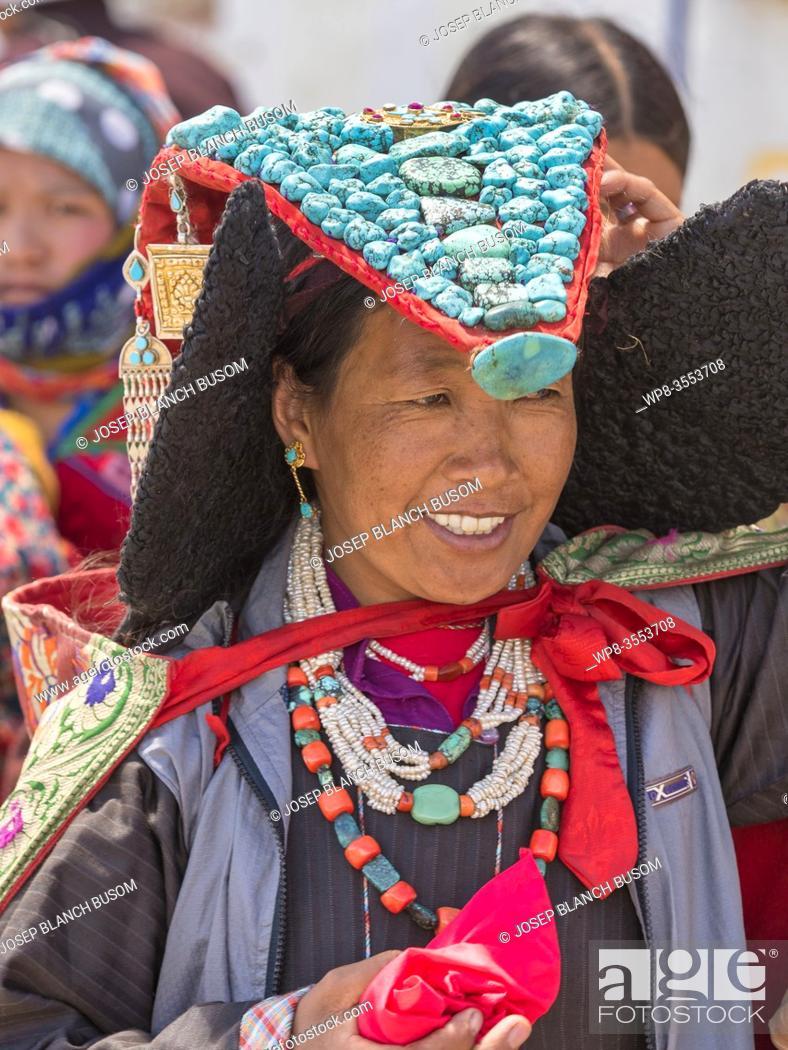 Stock Photo: Changpa Nomad woman with turquoise headdress at the Korzok Gustor, Korzok Gompa, Lake Tsomoriri, (Ladakh) Jammu & Kashmir, India.