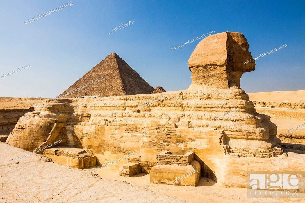 Imagen: Sphinx of Giza with Great Pyramid in background. Egypt.