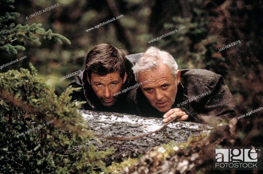 Stock Photo: AUF MESSERS SCHNEIDE - RIVALEN AM ABGRUND / The Edge USA 1997 / Lee Tamahori ALEC BALDWIN (Robert Green), ANTHONY HOPKINS (Charles Morse) Regie: Lee Tamahori.