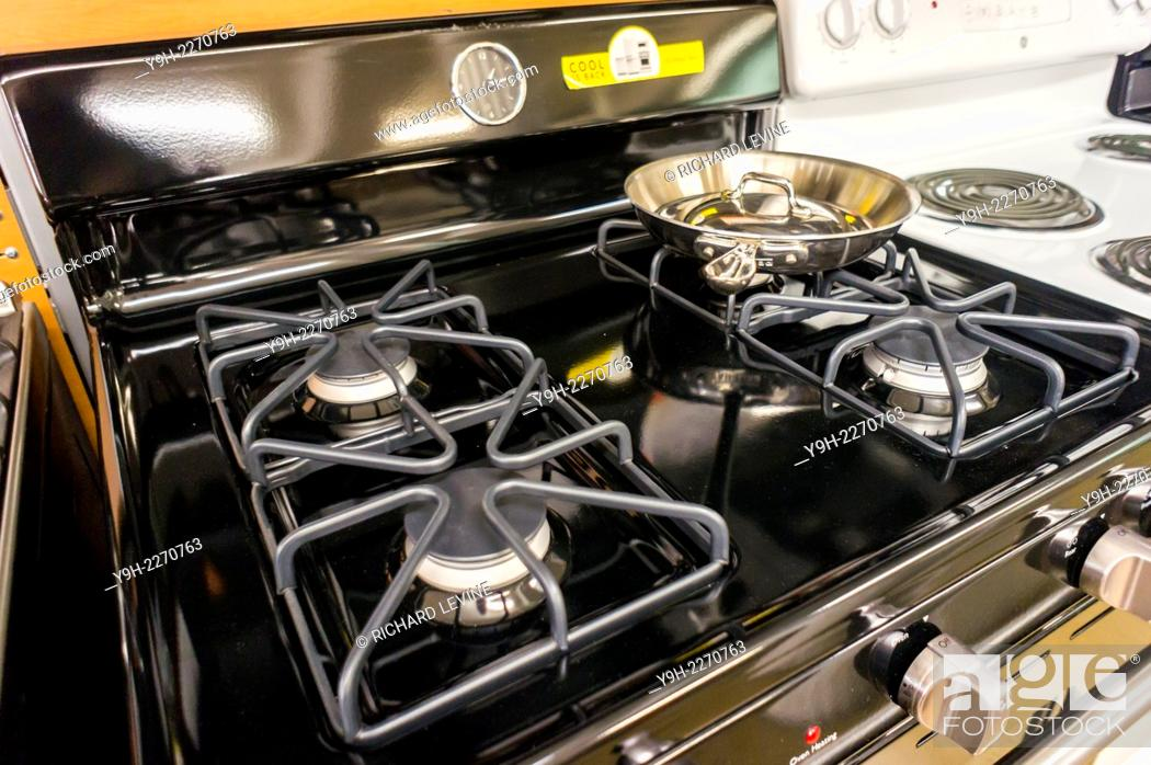 A General Electric Gas Stove In A Home Depot In New York Stock Photo Picture And Rights Managed Image Pic Y9h 2270763 Agefotostock