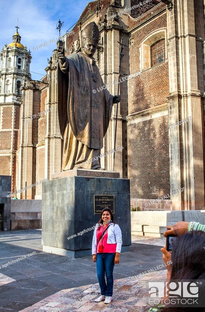Stock Photo: Pilgrims, Statue of Pope John Paul II and Old Basilica Our Lady of Guadalupe, Mexico City, Mexico.