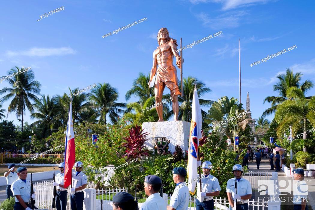 Imagen: Battle of Mactan reenactment ceremony or Kadaugan Festival  Lapu-Lapu or Kali Pulako, Cali Pulaco 1491-1542 was the ruler of Mactan, an island in the Visayas.