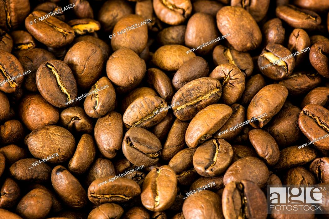 Photo de stock: Close-up of natural coffee beans.
