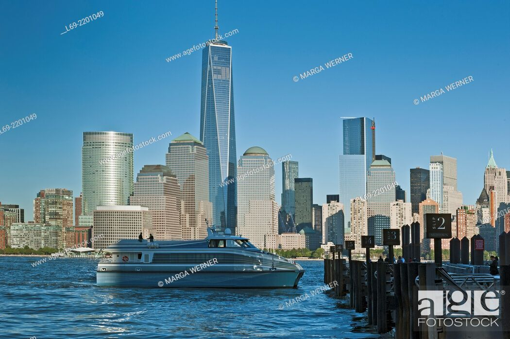 Stock Photo: View from Jersey City waterfront at Manhattan skyline, New York, USA.