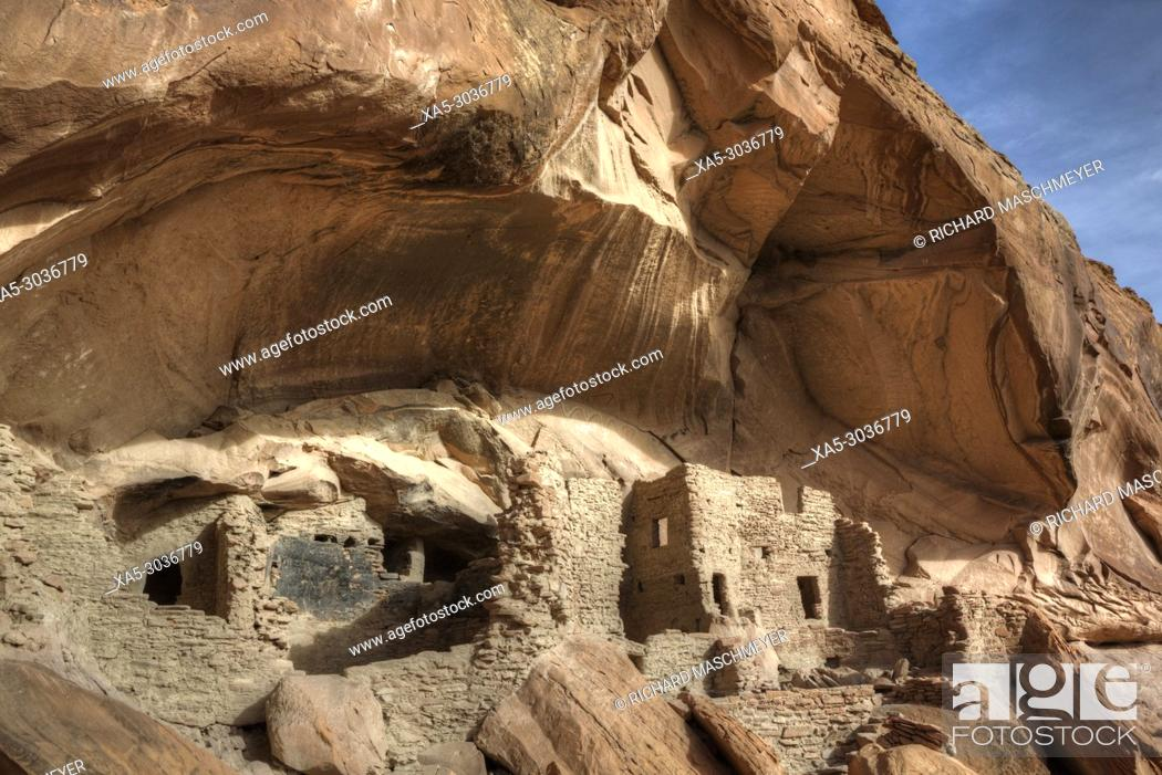 Imagen: River House Ruin, Ancestral Puebloan Cliff Dwelling, 900-1300 AD, Shash Jaa National Monument, Utah, USA.