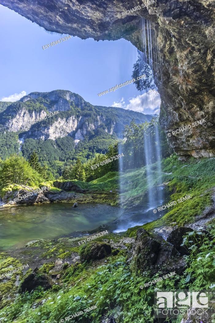 Imagen: Goriuda waterfall (Fontanon di Goriuda), Province of Udine, Italy.