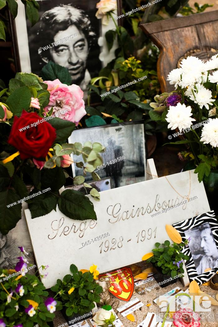 Stock Photo: France, Paris, Montparnasse Cemetery, grave of Serge Gainsbourg, singer and songwriter.