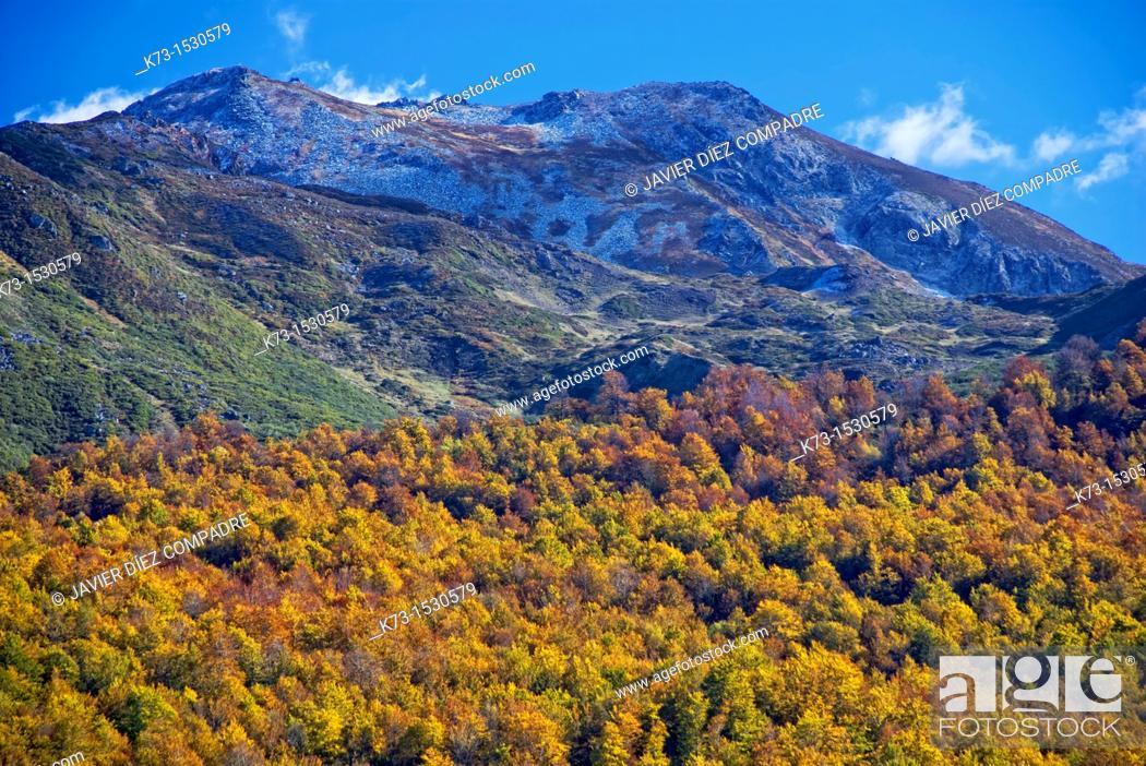 Stock Photo: Sierra Cebolleda. Picos de Europa National Park. Leon Province. Castilla y Leon. Spain.