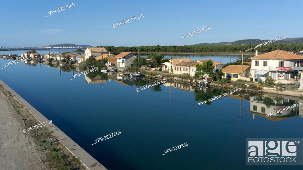 Imagen: Rhone a Sete Canal, fisherman houses, Les Aresquiers, Occitanie.
