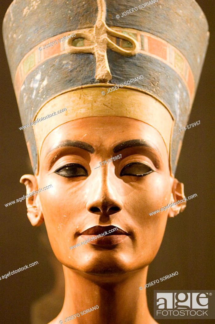 Stock Photo: Europe, Germany, Berlin, Altes Museum, Bust of Queen Nefertiti.