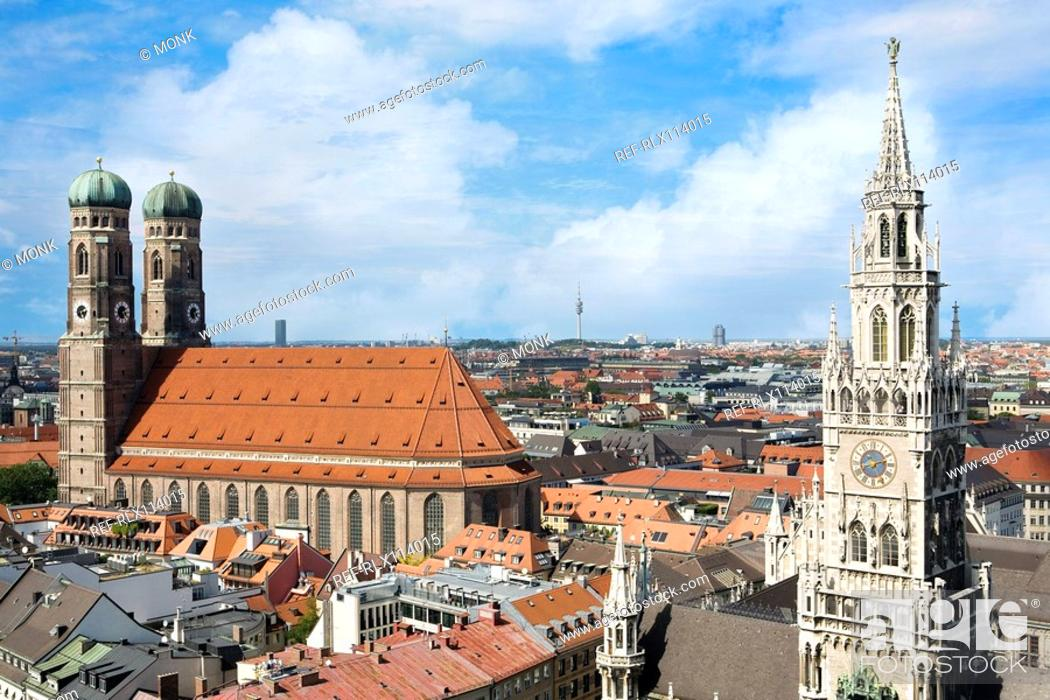 Stock Photo: The Frauenkirche church and Rathaus bell tower, Munich, Germany.