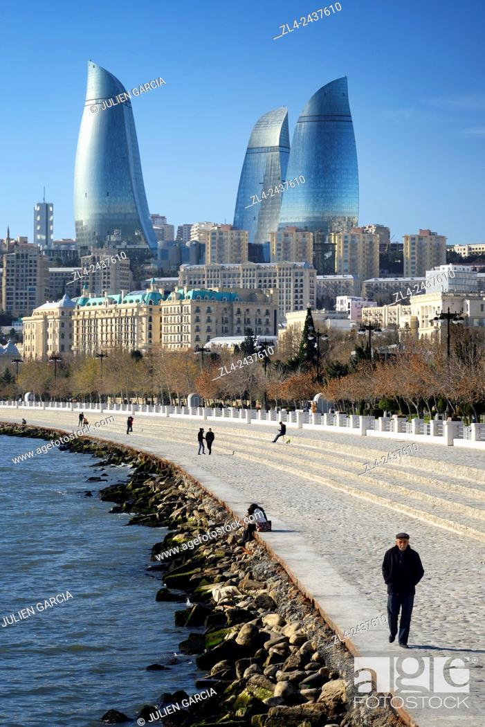 Stock Photo: Azerbaijan, Baku, Baku Bulvar (Boulevard), promenade running parallel to the Caspian seafront and the avenue Neftçiler Prospekt.