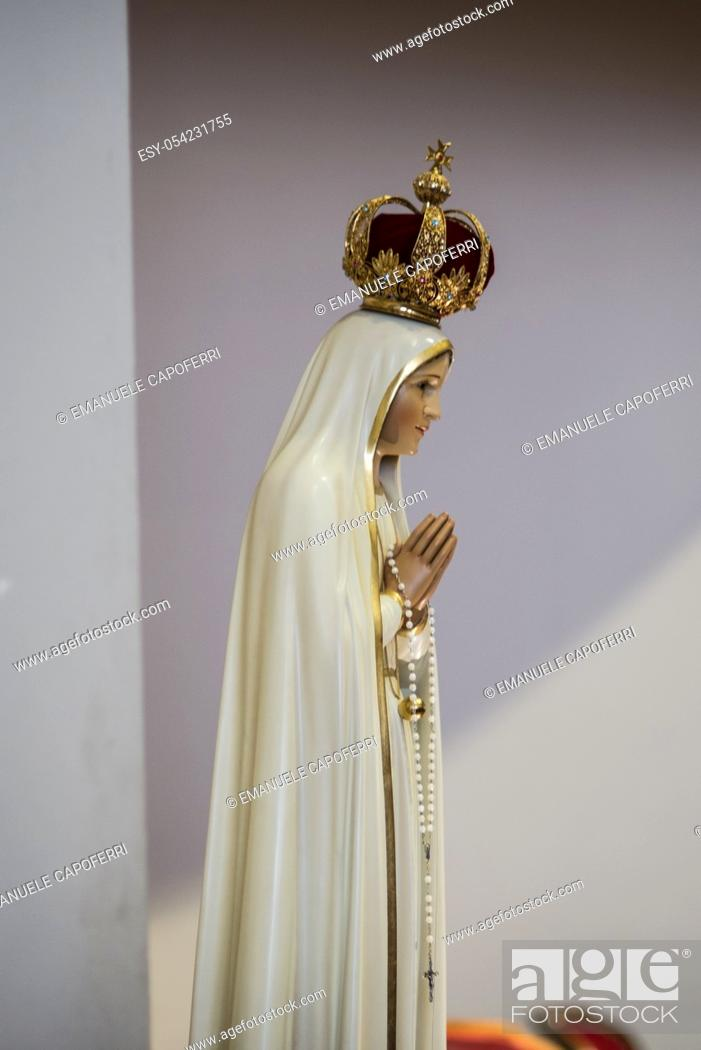 Stock Photo: Statue of Our Lady of Fatima.
