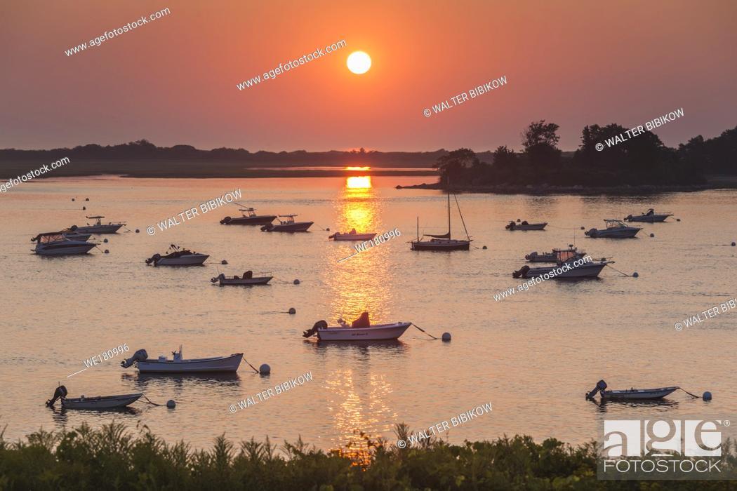 Stock Photo: USA, New England, Massachusetts, Ipswich, sunrise over Great Neck.