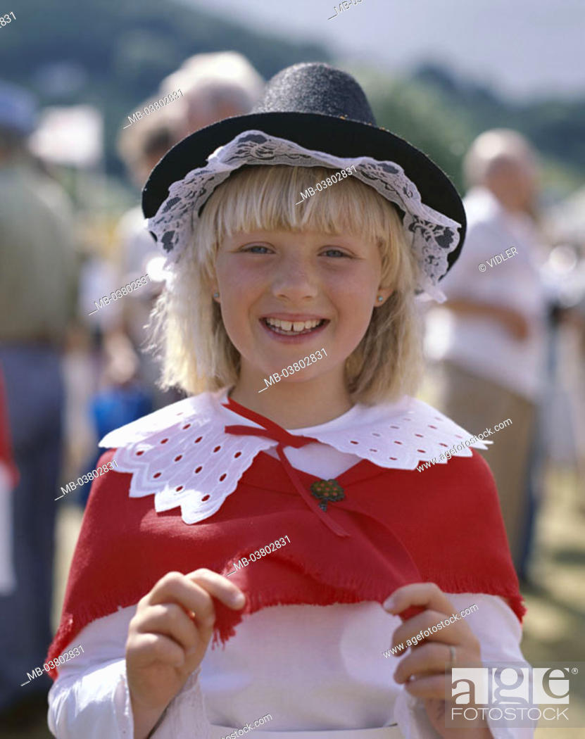 Stock Photo: Great Britain, Wales, Cardiff,  Girls, clothing, folklore,  Tradition, portrait,  Europe, island, South Glamorgan, people, child, blond, cheerfully, laughing.