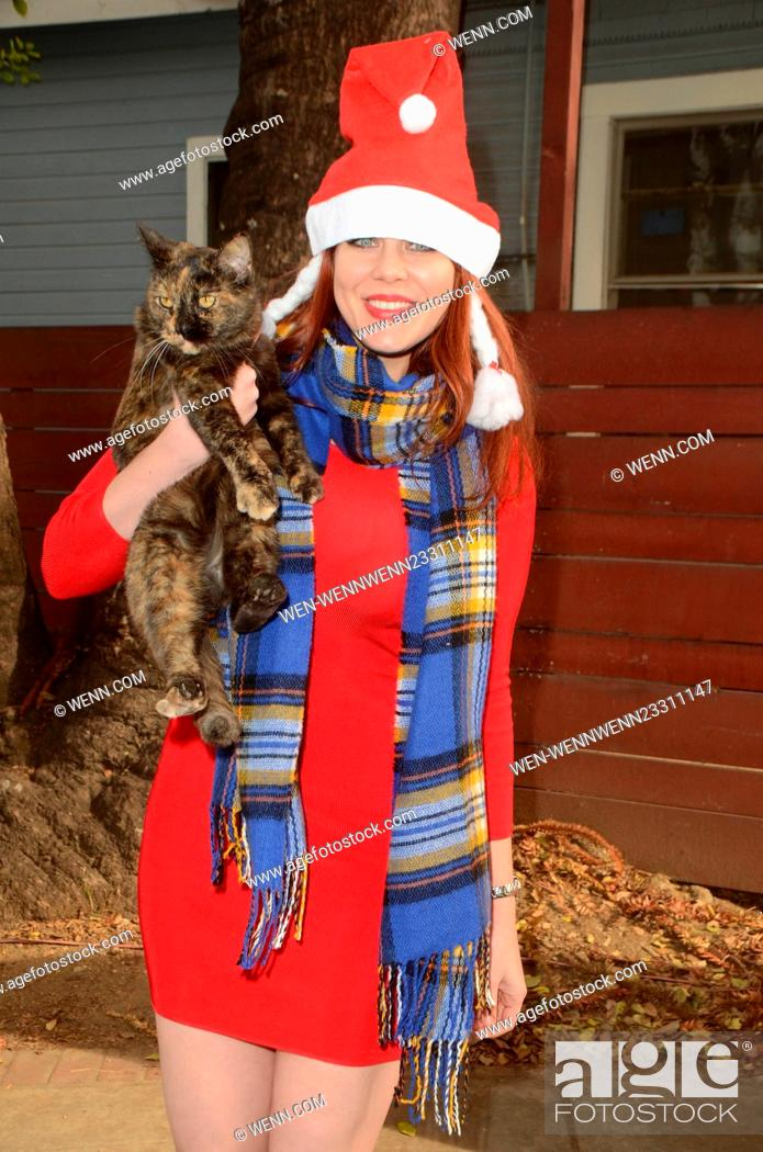 Maitland Ward and Kitty Bungalow volunteer at the Holiday ...