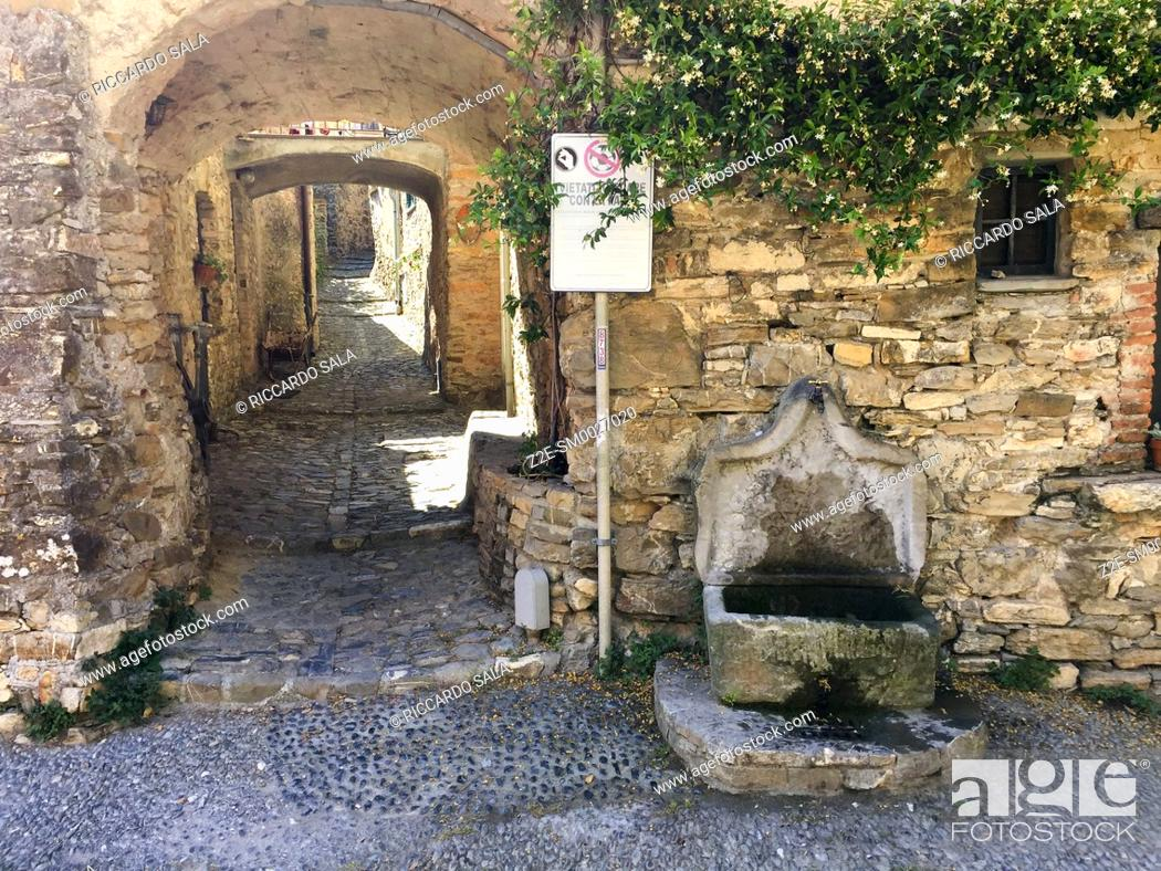 Stock Photo: Italy, Liguria, Colla Micheri, Old Village. . . .