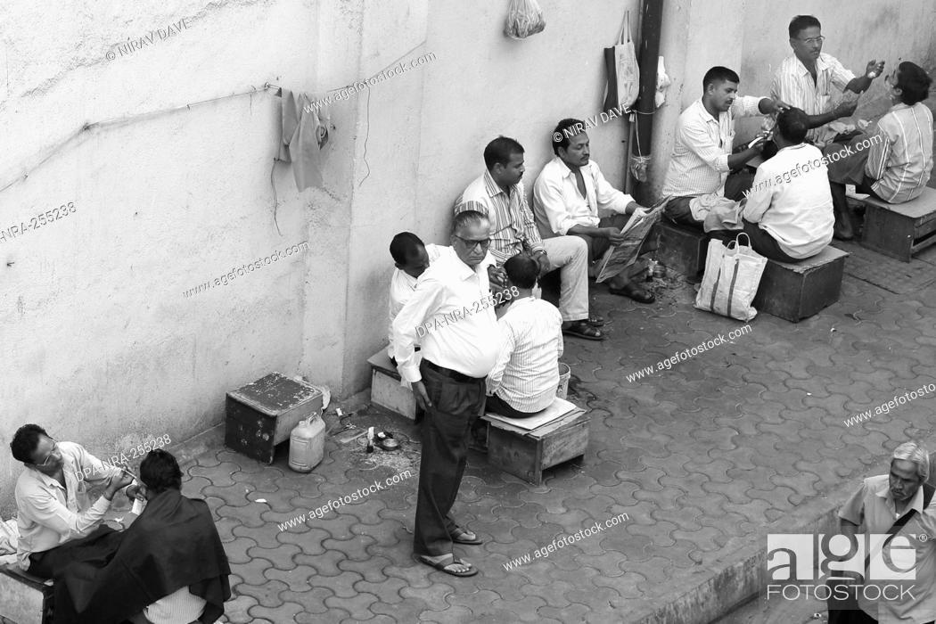 Stock Photo: barber shop on footpath, borivali, mumbai, maharashtra, India, Asia.