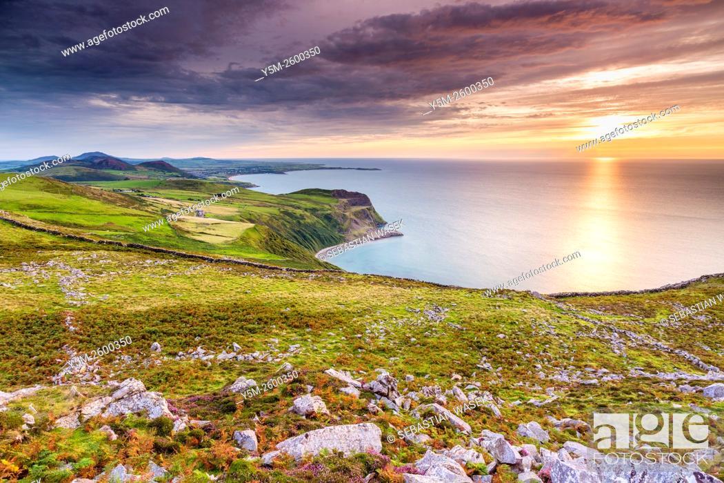 Stock Photo: Sunset over Caernarfon Bay, Llithfaen, Gwynedd, Wales, United Kingdom, Europe.