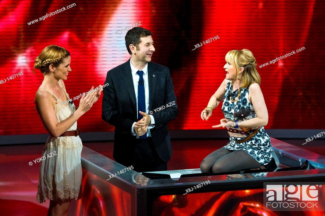 Imagen: 10 04 2011, Milan  'Che tempo che fa' telecast RAI 3  Filippa Lagerback, Fabio Fazio and Luciana Littizzetto.