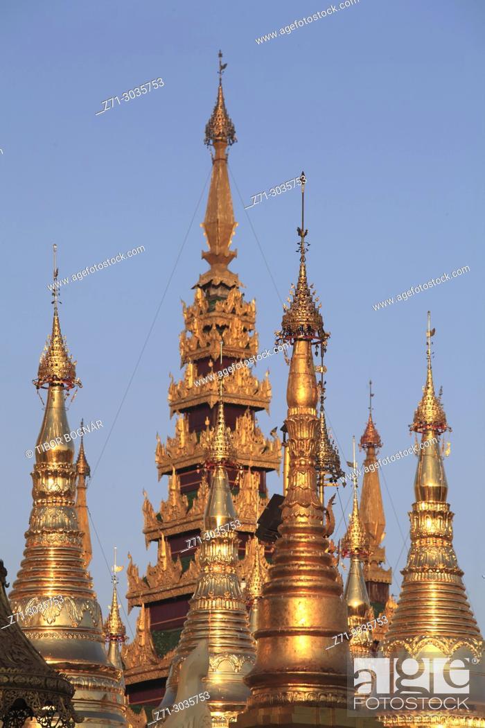Stock Photo: Myanmar, Yangon, Shwedagon Pagoda, .