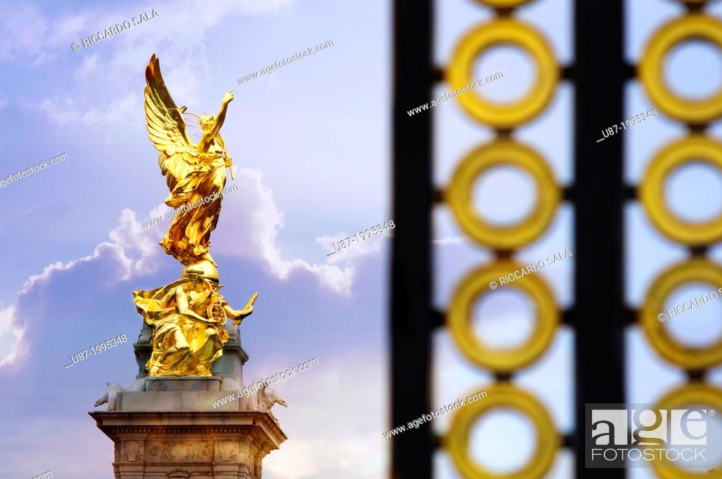 Stock Photo - England, London, Buckingham Palace, Queen Victoria Memorial,  Nike statue Goddess of Victory