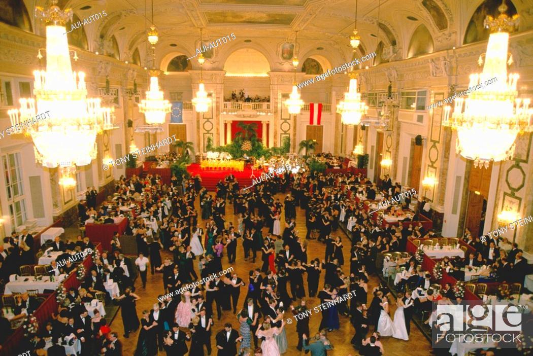 Stock Photo: Austria - Vienna - Ball to Hofburg.