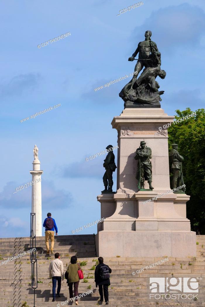 Stock Photo: Entrance to the Cours Saint-Pierre with the Franco-Prussian War memorial, Nantes, Loire Atlantique, France.