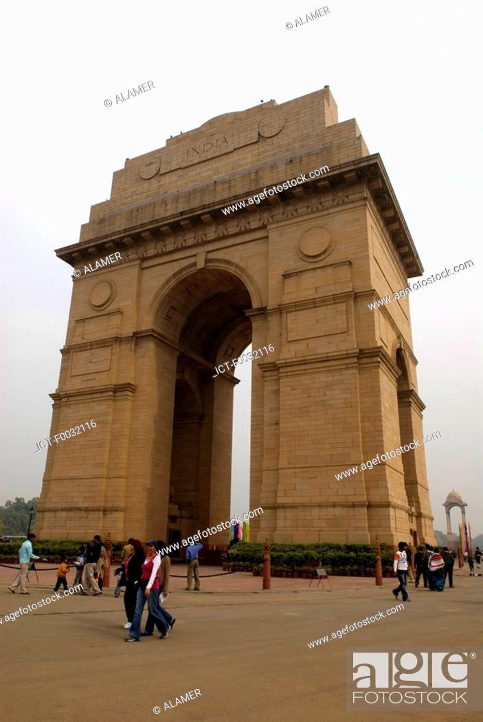 Stock Photo: India, New Delhi, India Gate.