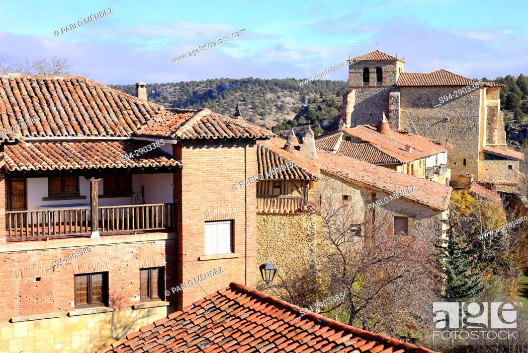 Imagen: View of the church of Our Lady of Calatañazor from the castle. Soria province, Spain.