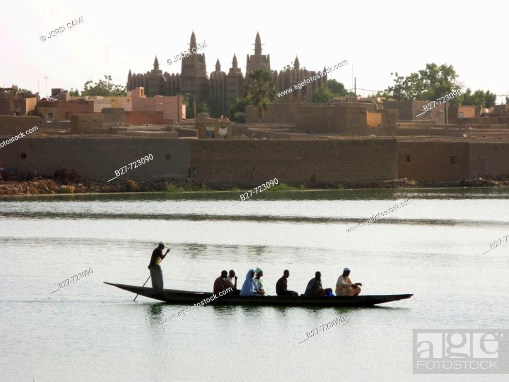 Stock Photo: Komoguel Mosque. Mopti. Niger inland delta, Mali.
