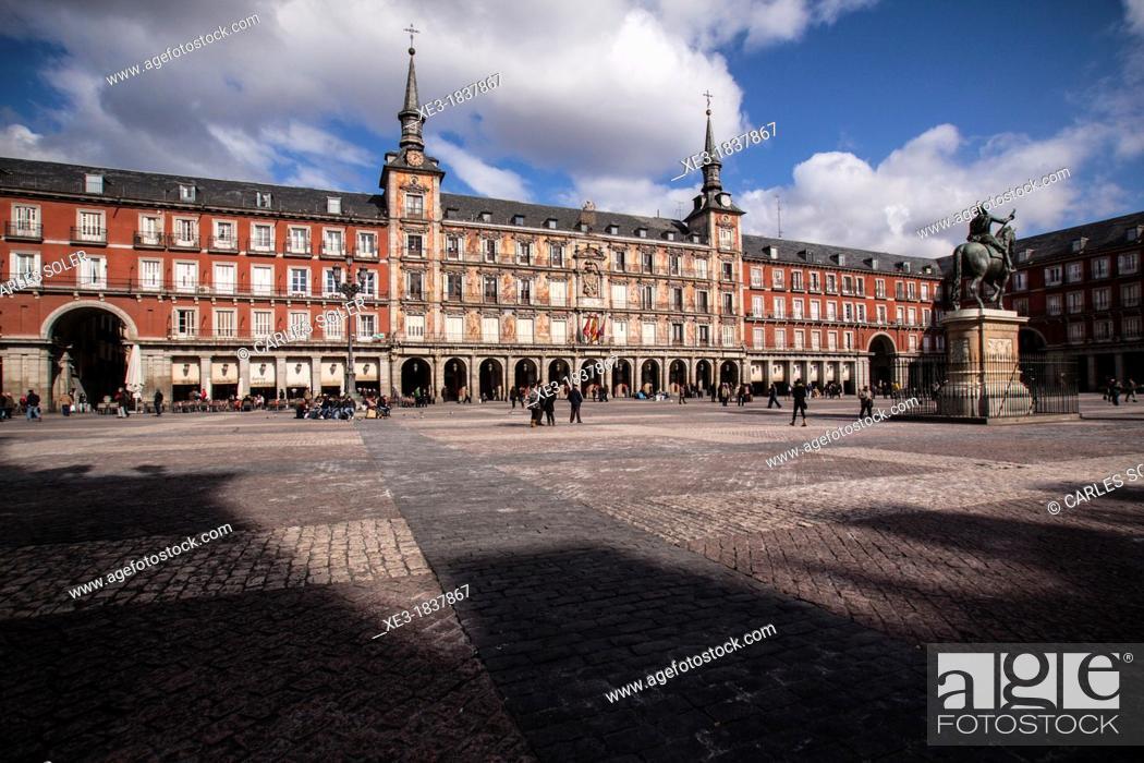 Stock Photo: Plaza Mayor, Madrid, Spain.