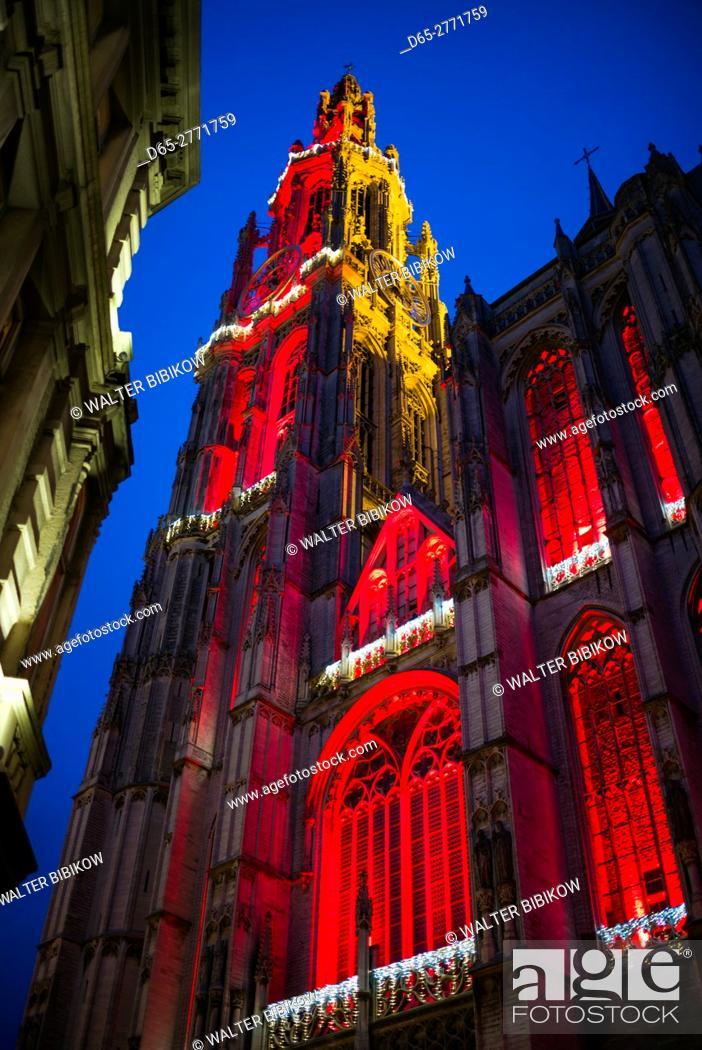 Stock Photo: Belgium, Antwerp, Groenplaats, Onze-Lieve-Vrouwekathedraal cathedral, winter, dusk.