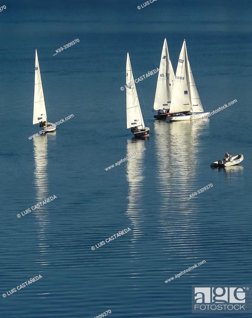 Stock Photo: Lake Wakatipu. Queenstown. . South Island. New Zealand.