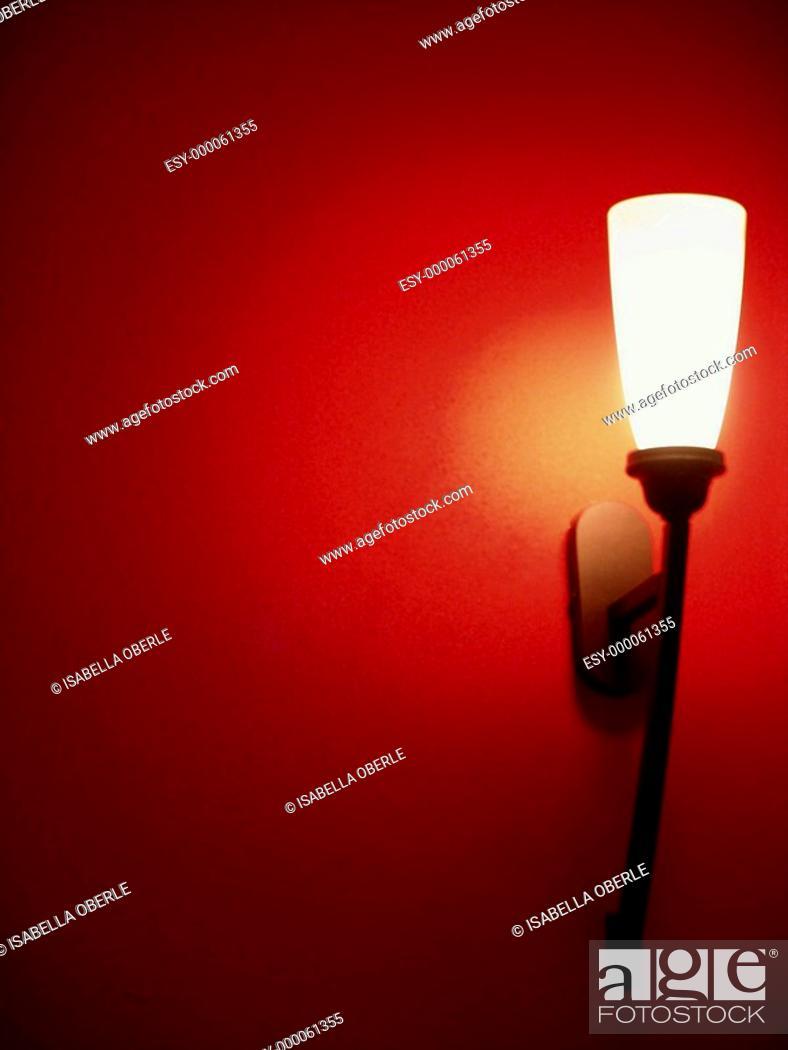 Stock Photo: Wandlampe.