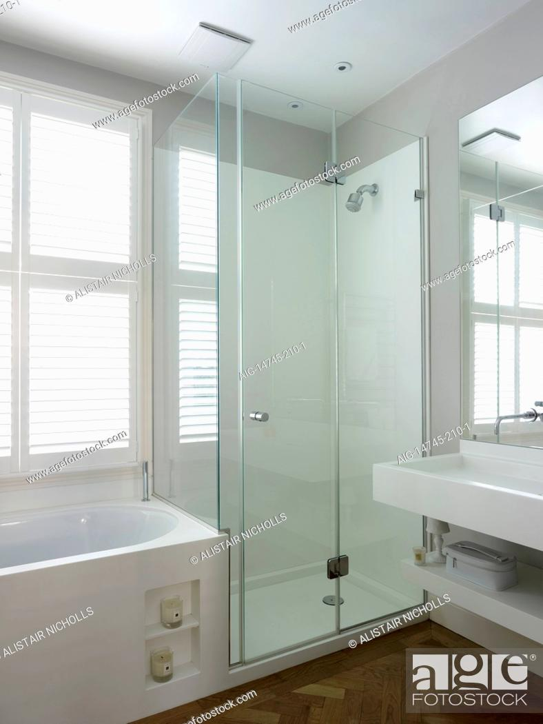 Bath With Shelving Inset Basin And