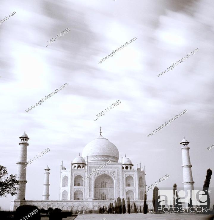 Stock Photo: The Taj Mahal in Agra, India.