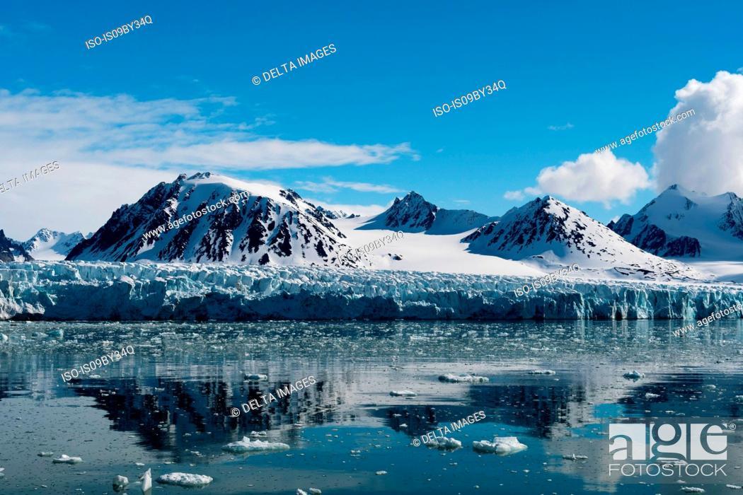 Stock Photo: Lilliehook Glacier, Spitsbergen, Svalbard, Norway.