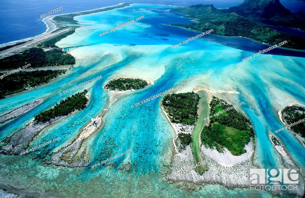 Stock Photo: . Bora-Bora in the Leeward islands. Society archipelago. French Polynesia.
